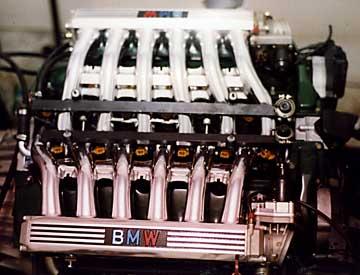 R BMW 850i Engine On Dyno
